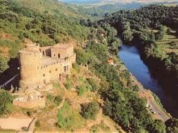 château aux environs de Vichy